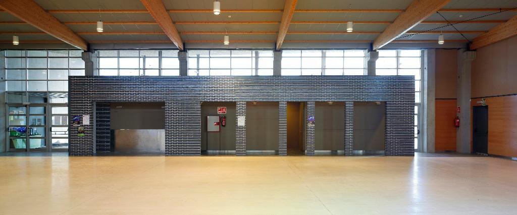 Sala polivalent bescano for Piscina municipal la roca del valles